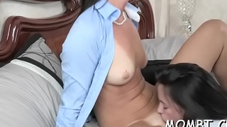 Mature hottie rides like a slut during steamy hot trinity