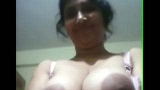 Indian Aunty SHowing Big Boobs Opening Blouse