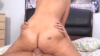 Scarlet Red has hard squirting orgasms