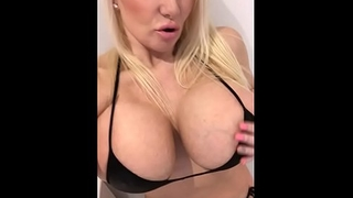 Milf masturbation home alone