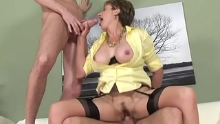 Two Guys Fuck Lady Sonia Close by Hot Threesome