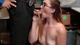 LP officer screwed nerdy shoplifter pussy