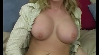 Yanks Blonde Madison Scott Masturbates